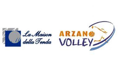 """Il sodalizio fra l'Arzano Volley e l'azienda """"La Maison della tenda"""" prosegue"""