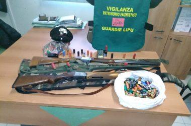 Due bracconieri braccati dai Carabinieri Forestali della Stazione di Marigliano e dalle Guardie LIPU.