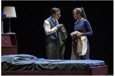 """Giovedì 8 novembre: Andrea Renzi e Pierpaolo Sepe firmano la regia de """"Il servo"""" di Robin Maugham, in scena al Teatro Nuovo di Napoli"""