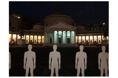 Napoli, UGL in tour contro le morti bianche: centinaia di sagome in piazza del Plebiscito