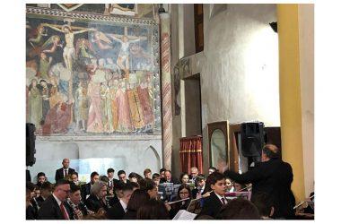 Città di Maddaloni, ieri sera strepitoso successo al Concerto di Natale della Banda Sinfonica della Città nella chiesa di Santa Margherita