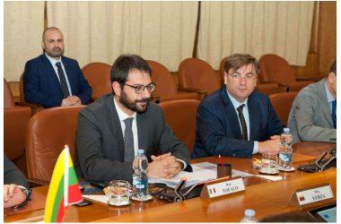 Il Sottosegretario Tofalo riceve Vice Ministro Difesa della Lituania