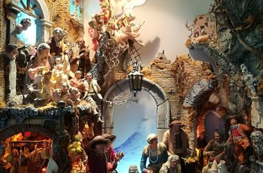 Alle Scuderie di Villa Favorita a Ercolano la Gallery espositiva dei piccoli artigiani e la mostra 'Viaggiare tra i presepi'