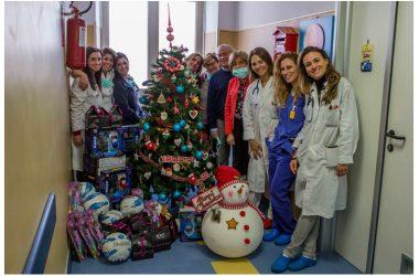 Natale anticipato per 120 bambini del Santobono-Pausilipon grazie ai regali dell'Associazione Nautica Regionale Campana