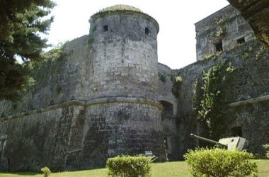 Liberiamo ed apriamo il castello di Carlo V a Capua