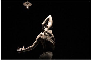 """Al Nostos Teatro per """"L'ombra della sera"""" di Alessandro Serra, regista del Premio Ubu 2017 per il miglior spettacolo 20.01"""