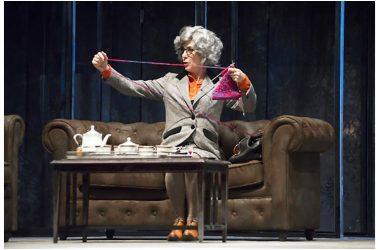 """Lunedì 18 febbraio: Maria Amelia Monti in """"Miss Marple, giochi di prestigio"""" di Agatha Christie, al Teatro Ricciardi di Capua"""