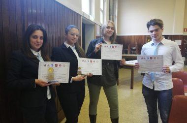 """Ennesimo successo per gli studenti del Liceo Linguistico """"Villaggio dei Ragazzi""""."""