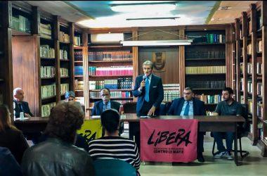 """Cancello ed Arnone: Ieri il convegno """"I BENI CONFISCATI RISCATTO DI UN TERRITORIO"""". Incrocio tra conoscenze il segreto per crescere."""