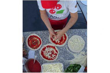 La quarta pizza al Napoli Pizza Village è la specialità al prosciutto