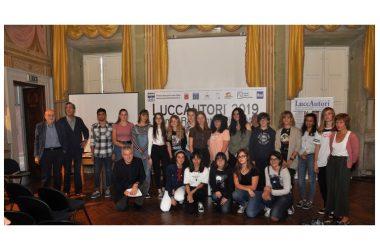 LuccAutori –  Successo per la  mostra dei ragazzi del LICEO PASSAGLIA di Lucca