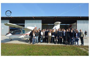 """Gli studenti del Tecnico Aeronautico """"Villaggio dei Ragazzi"""" a lezioni di volo."""