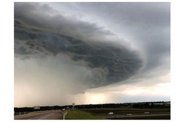 Il maltempo si sposta al Sud previsti:venti forti,grandine,allagamenti…..