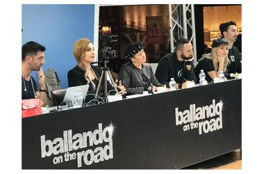BALLANDO ON THE ROAD AL CENTRO COMMERCIALE CAMPANIA, CON MILLY CARLUCCI E IL SUO STAFF. 9 E 10 NOVEMBRE