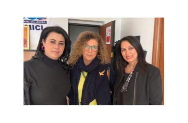 """Ugl Caserta. La segretaria confederale Ornella Petillo chiude """"Rosso Caserta"""", la mostra contro la violenza sulle donne"""