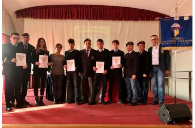 VILLAGGIO DEI RAGAZZI MADDALONI – Emozione per cinque studenti dell'Istituto Aeronautico che hanno conseguito il brevetto in paracadustismo