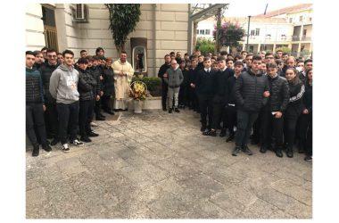 """UNA TRADIZIONE SENZA TEMPO: GLI STUDENTI DEL """"VILLAGGIO"""" RICORDANO SAN GIOVANNI BOSCO"""