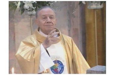 Maddaloni, iniziativa di omaggio in ricordo di don Salvatore d'Angelo un'incisione