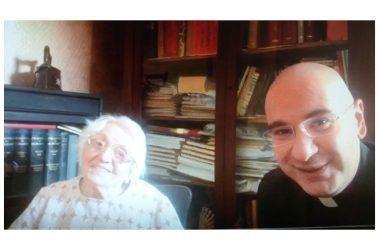 Brusciano. Rosa Di Napoli compie 100 anni. Gli auguri del Parroco Don Salvatore Purcaro