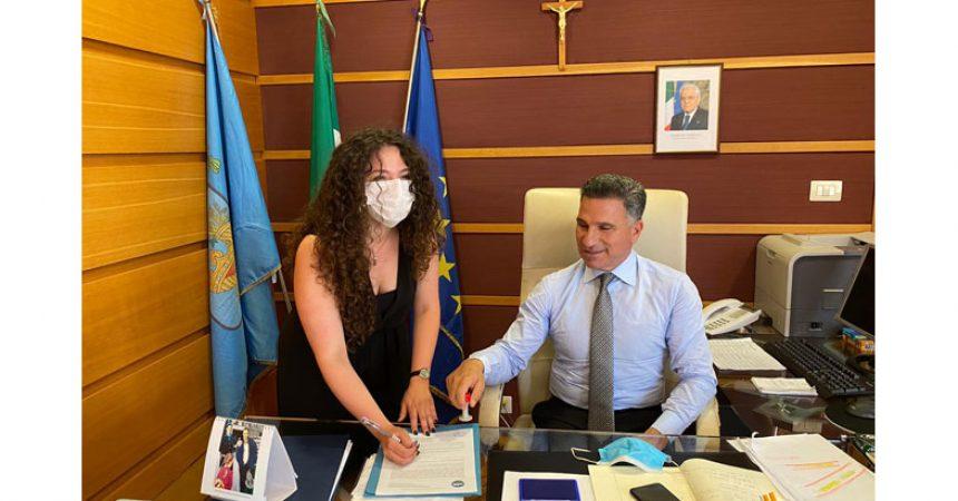 """Regionali 2020. Caterina Sagliano firma la  sua candidatura in Provincia. """"Ufficialmente pronta per costruire il domani che  meritiamo"""""""