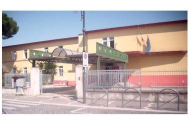 La dott.ssa Angela Cuccaro saluta la popolazione scolastica dell'Istituto Comprensivo U.Foscolo e l'Amministrazione del Comune di Cancello ed Arnone