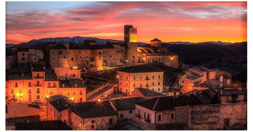 """GIOVEDI 20 AGOSTO """"ITALIA ANTE COVID"""" A CASTEL DEL MONTE – L'evento in uno dei Borghi più belli d'Italia"""