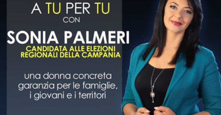 """Sonia Palmeri a Castel Volturno per """"De Luca Presidente"""""""