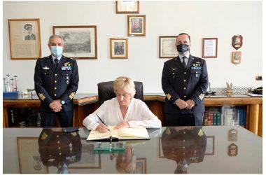 """Visita di una Delegazione della 4^ Commissione """"Difesa"""" del Senato della Repubblica  presso la Scuola Specialisti dell'A.M.."""