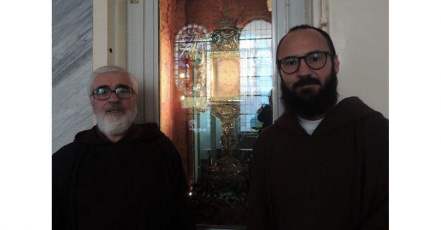 IL MISSIONARIO DEL VOLTO SANTO LASCIA MANOPPELLO