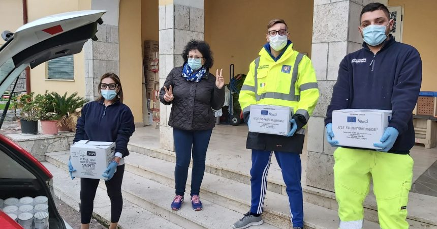 Cancello ed Arnone: il Centro Laila dona derrate alimentari.