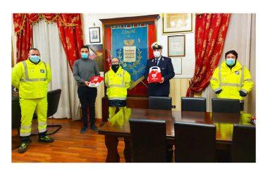 Consegnati i defibrillatori alla polizia municipale