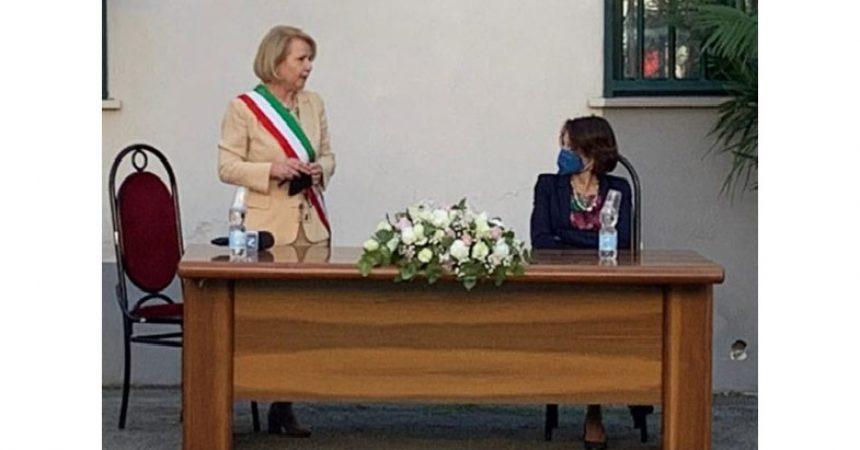 Brusciano plaude a Maria Grazia Cerciello donna delle Istituzioni.
