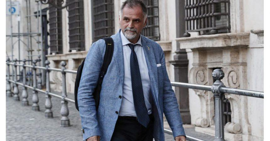 """Visita del Ministro del Turismo Italia, Massimo Garavaglia con l'Associazione che rappresenta """"Le Botteghe di San Gregorio Armeno"""